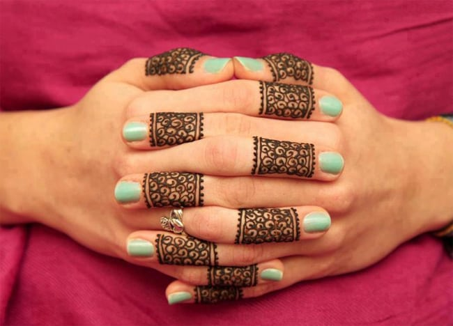 Awesome Henna Design on Fingers 2017