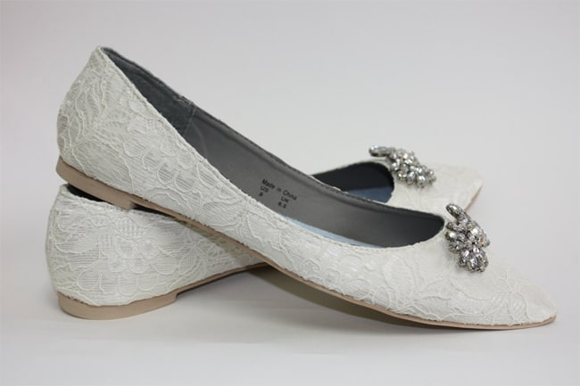 Awesome Lace Wedding Shoes in Flat Style