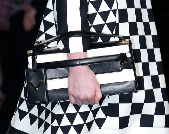 Black and White Striped Clutch Bag Trends