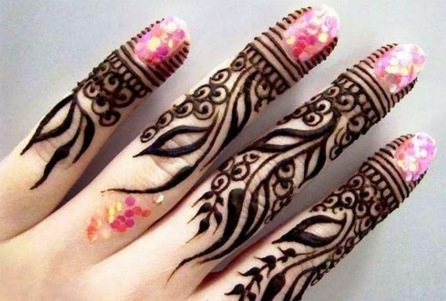 Cool Mehndi Finger Designs for Women