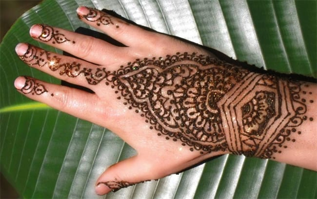 Cute Girls Mehndi Designs for Eid Party