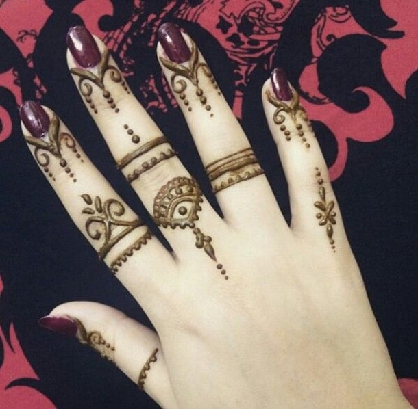 Easy Finger Mehndi Designs for Summer
