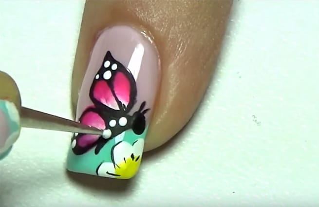 20 Beautiful Butterfly Nail Art Designs Pictures Sheideas