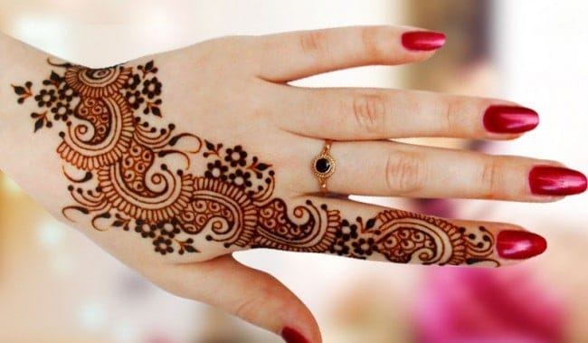 Great Eid Mehndi Designs With Red Nail Polish