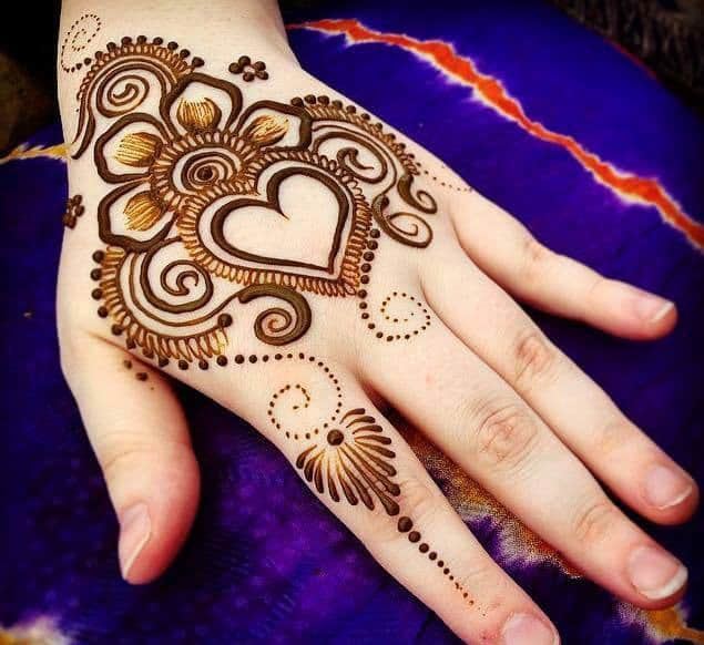 Heart Shaped Rangoli Mehndi Ideas 2016