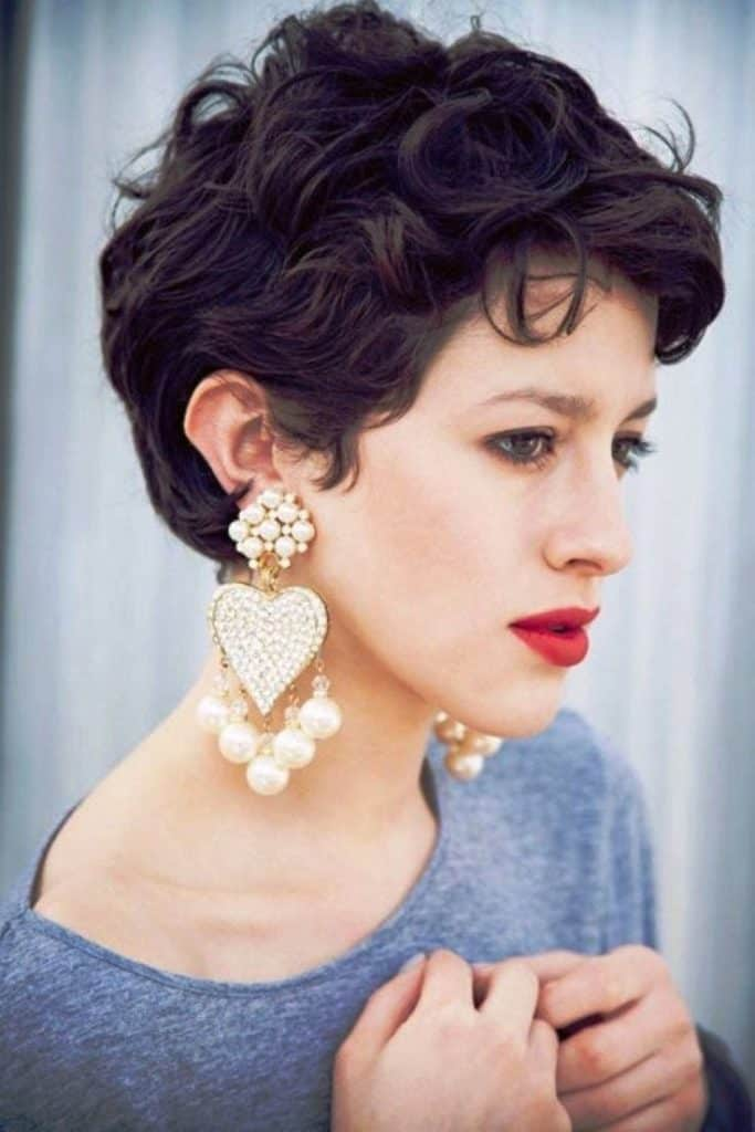 Ladies Best Pixie Cuts for Wavy Hair