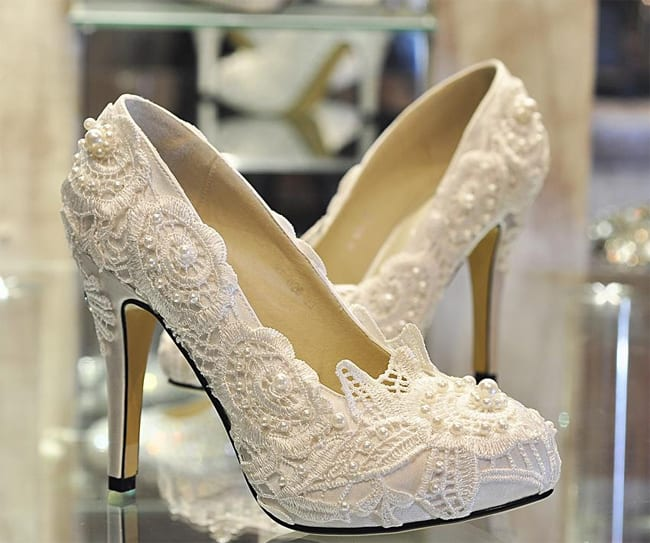 Luxurious Wedding Shoes for Brides 2016