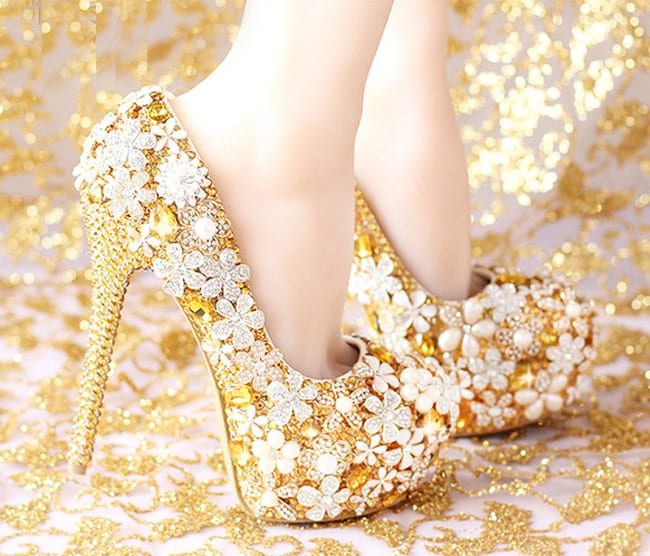 Stylish Designer Bridal Gold Shoes Pictures