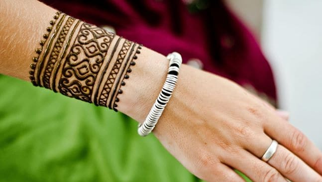 Elegant Wrist Cuff Henna Design: 13 Good Bridesmaids Mehndi Designs