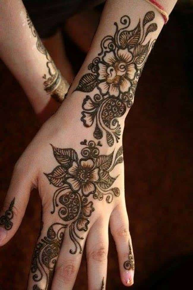 Back Hand Bridesmaids Mehndi Designs for Wedding