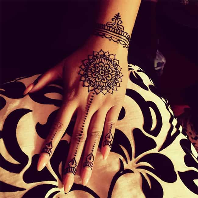 Cool Bridesmaids Henna Art Designs for Girls