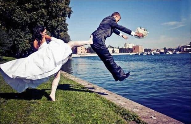 12 Amazing Funny Wedding Pictures - SheIdeas
