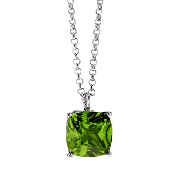 Fantastic Peridot Necklace Trend for Girls