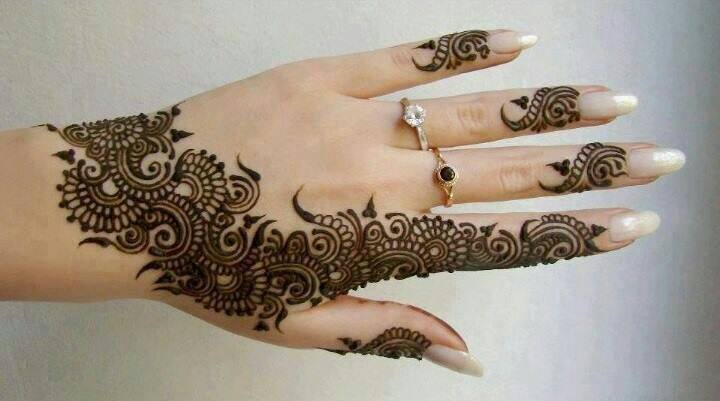 Fresh Mehndi Designs With Engagement Rings