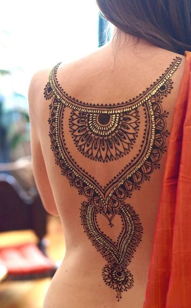 Full Back Bridesmaid Mehndi Designs for Brides