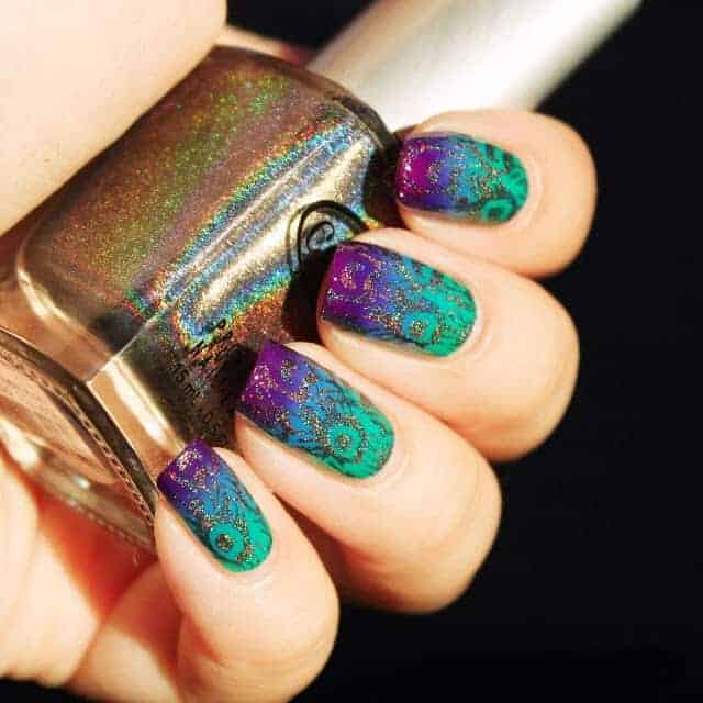 Peacock Nail Pattern with Gold Stamping