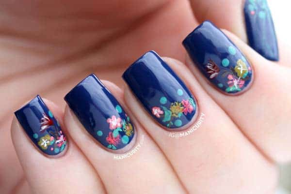 Stylish Blue Nail Polish Patterns for Winter 2017