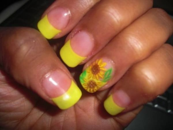 Stylish Sunflowers Nail Designs for Party
