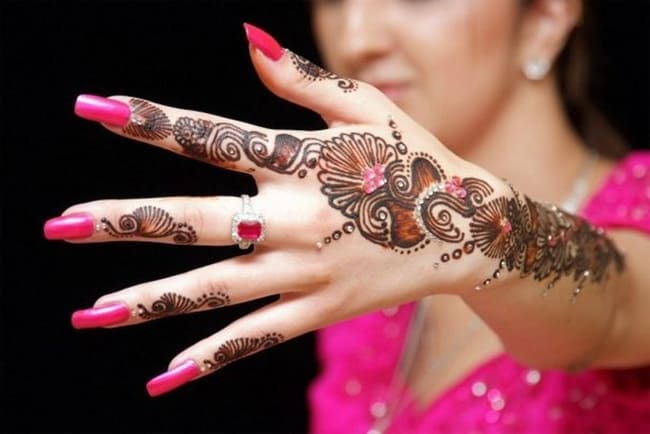 Trendy Engagement Mehndi Design for Wedding