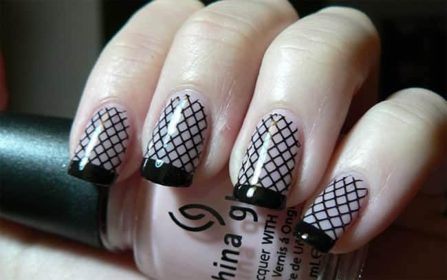 Amazing Black Fishnet Nail Art Ideas