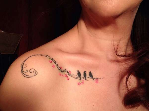 collar bone tattoo designs
