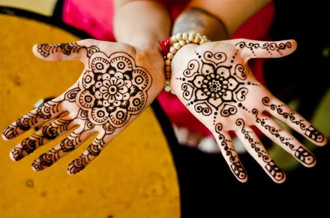Attractive Girls Eid Ul Fitr Mehndi Designs 2016