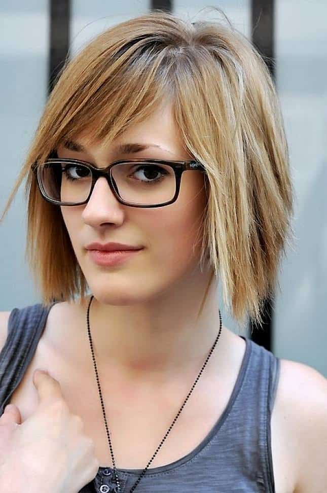 Attractive Short Hairstyle With Bangs for Girls 2016-17