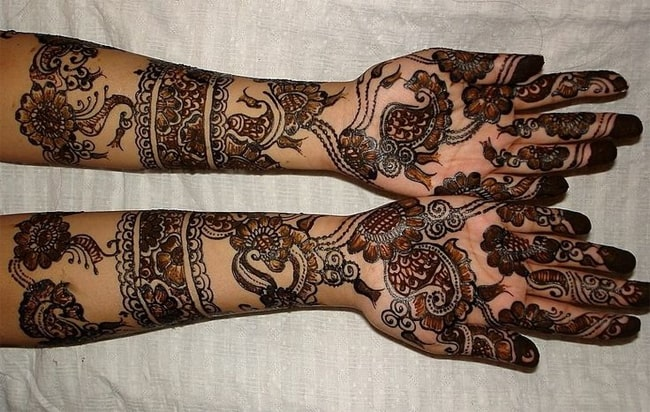 Awesome Black Rajasthani Mehndi Designs 2018