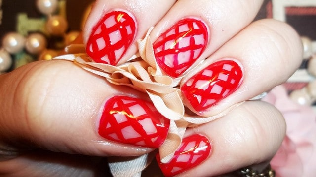 Beautiful Wedding Red Fishnet Nail Art for Brides