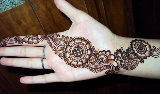 Best Eid Ul Fitr Mehndi Design for Chand Raat