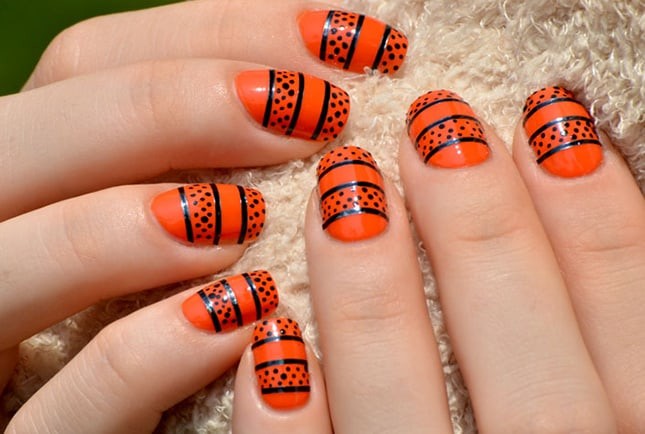 Black and Yellow Eid Nail Art Ideas