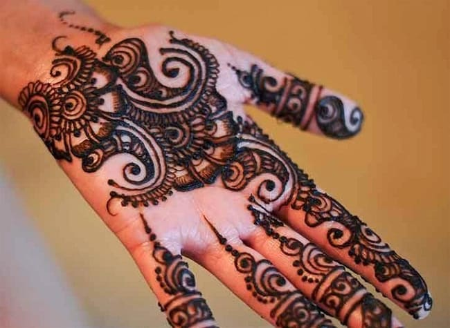 Creative Arabic Eid Henna Art Ideas for Women