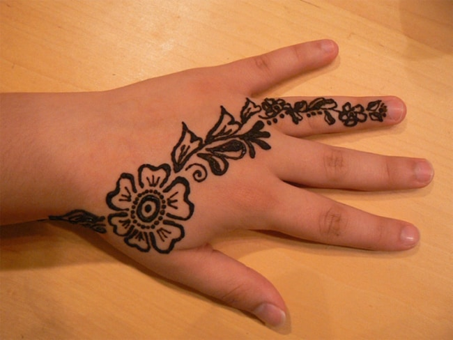 Mehndi Bracelet Design For Kids : A collection of mehndi designs for kids sheideas