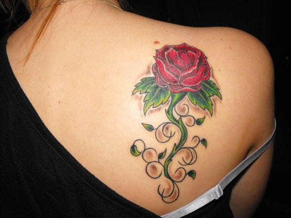 Elegant Rose Tattoos Designs on Back Shoulder