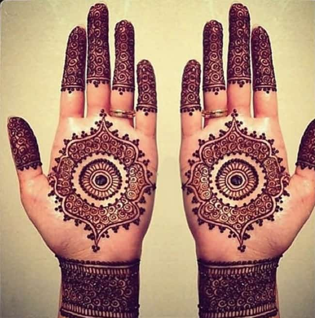 Fresh Front Hand Eid Mehndi Art for Wedding