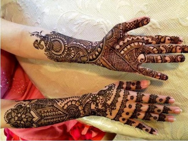 Great Female Rajasthani Mehndi Trend