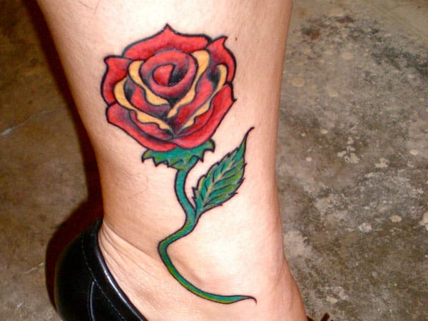 Latest Foot Rose Tattoo Art for Women