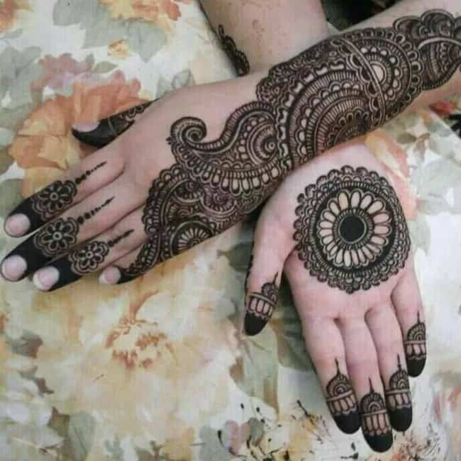 New Rajasthani Circle Mehndi Designs for Girls