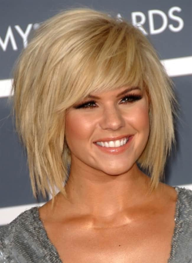 Side Bangs and Layers Short Hairstyles for Ladies