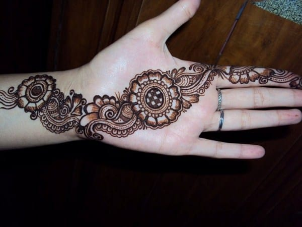 Stunning Circle Mehndi Trends for Eid Ul Fitr