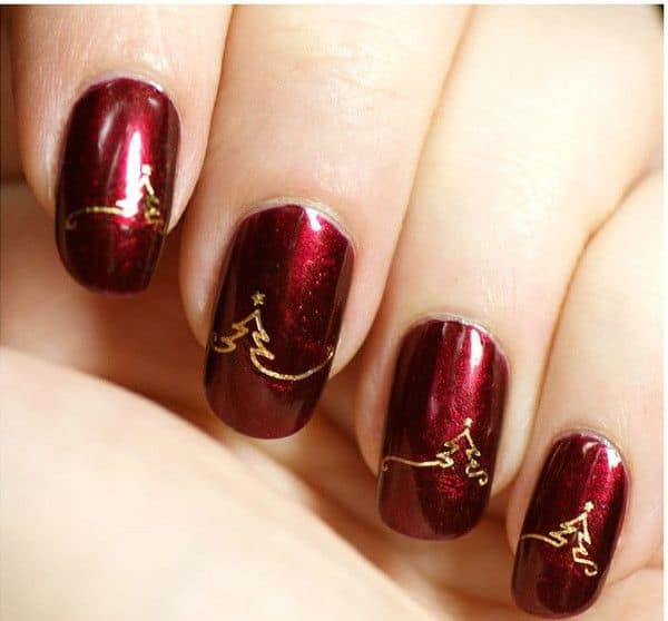 Amazing Christmas Nail Designs for Holiday Season