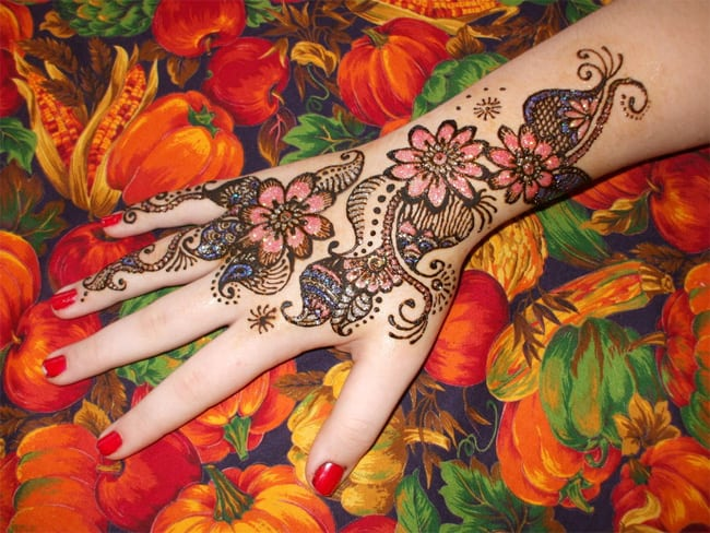 Amazing Glitter Mehndi Designs Pictures