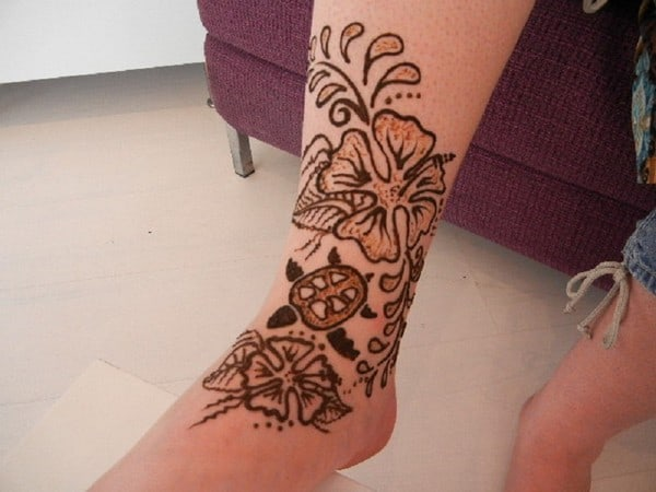 Amazing Henna Flower and Turtle Art Ideas