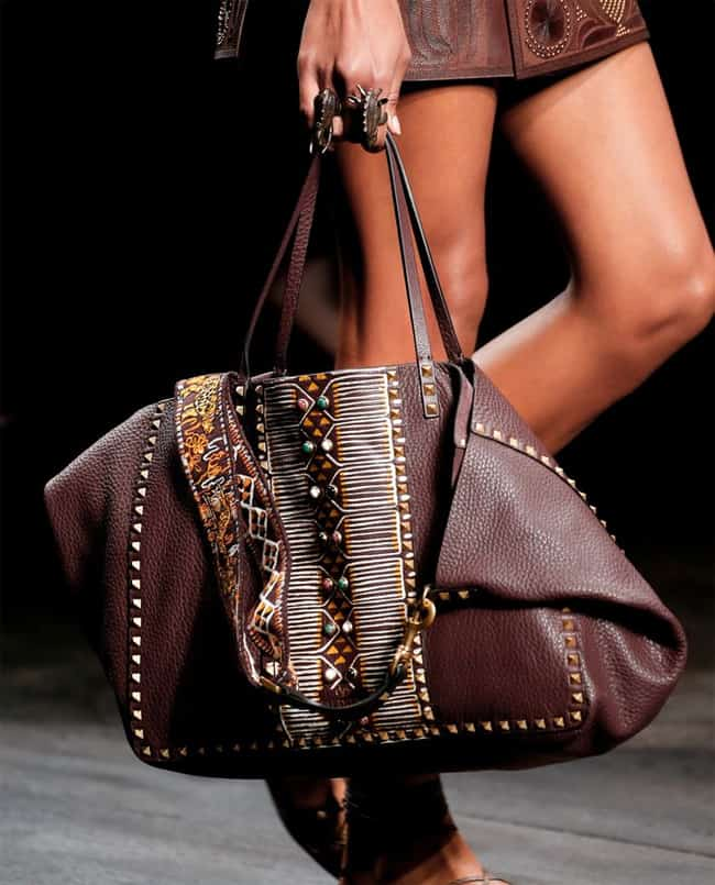 Astonishing Ladies Handbag for Summer 2016-17