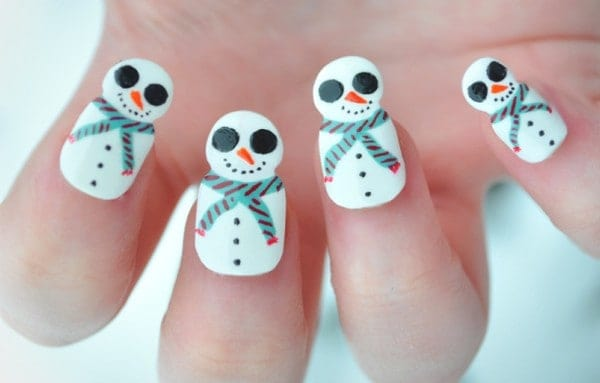Attractive Holiday Nail Designs for Ladies