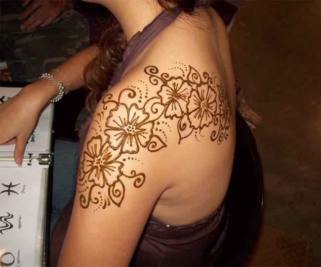 Awesome Flower Shoulder Mehndi Designs Images
