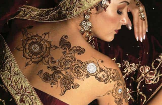 Back Shoulder Mehndi Design for Brides 2016-17