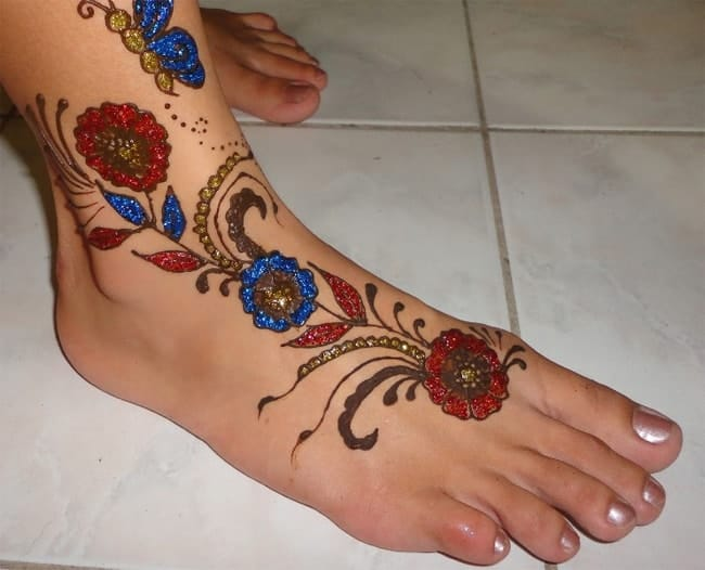 Beautiful Glitter Henna Designs for Foot