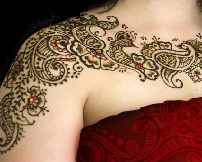 Best Shoulder Images of Mehndi Designs for Wedding