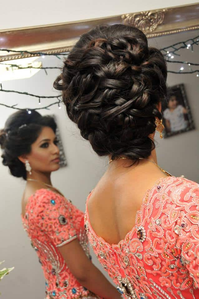 20 Awe Inspiring Engagement Hairstyles Sheideas